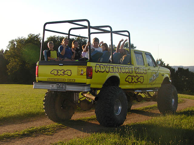 4x4 adventure rides at mill run jellystone near Pittsburgh PA