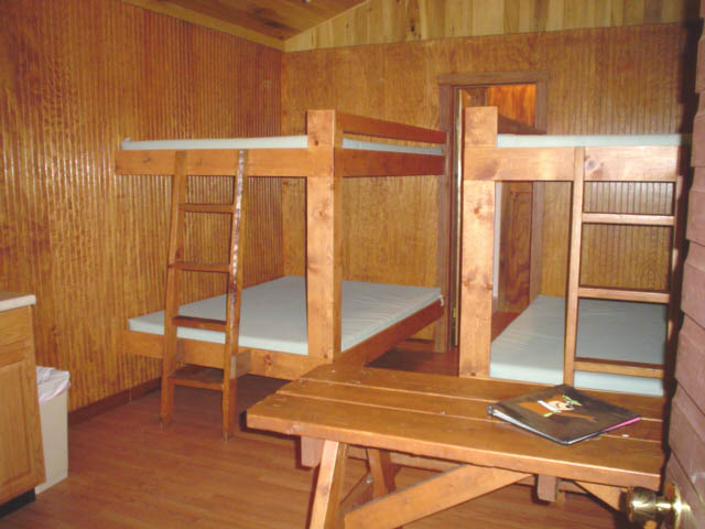 Boo Boo's 1 Room Pet Friendly Cabins – #4 & 5
