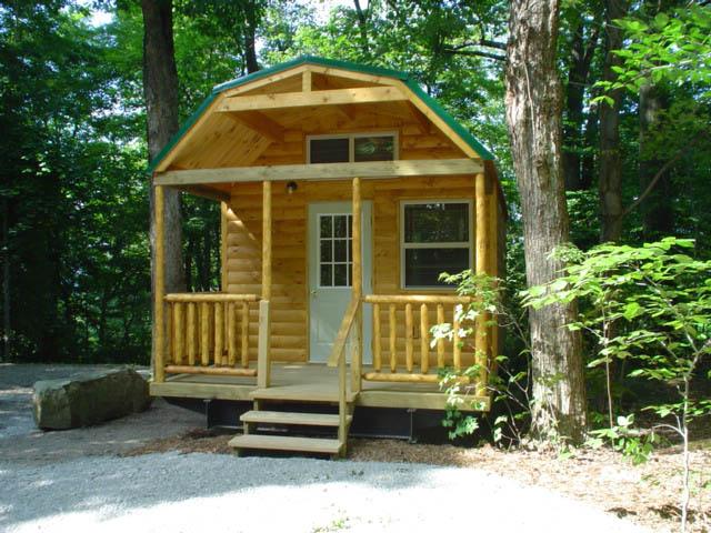 exterior of cindy bear single loft cabin